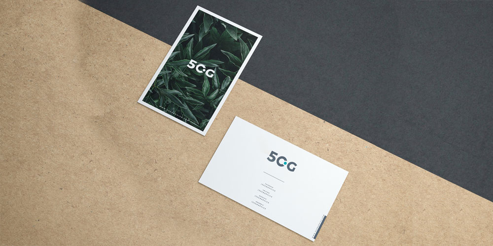 Free Business Cards on Kraft Paper Mockup PSD