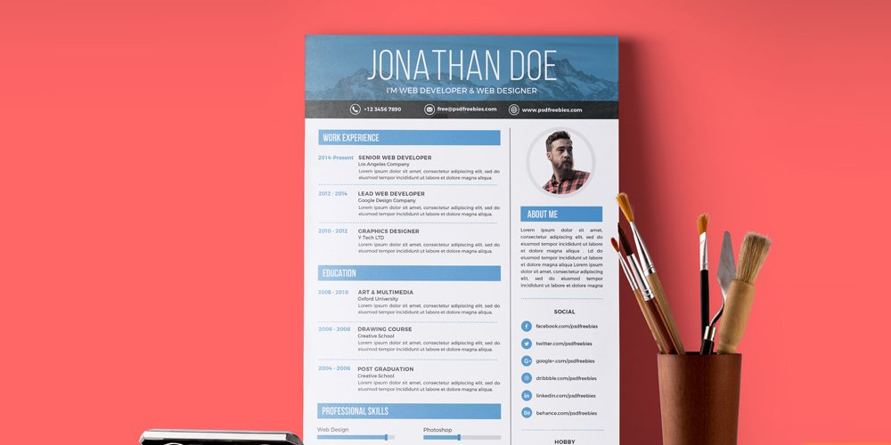 Creative Graphic Designer Resume Template PSD
