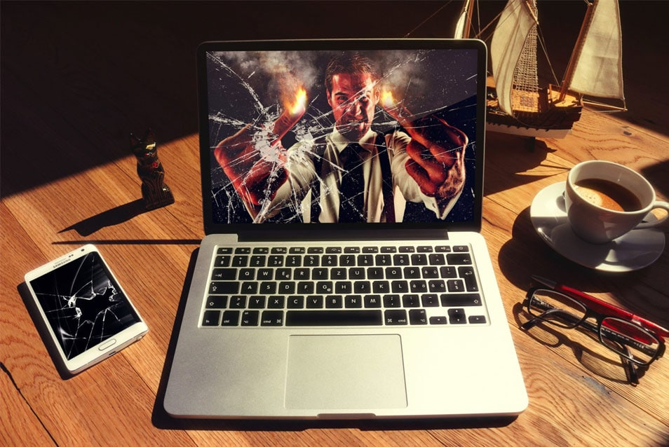 Free Photoshop MacBook Mockup