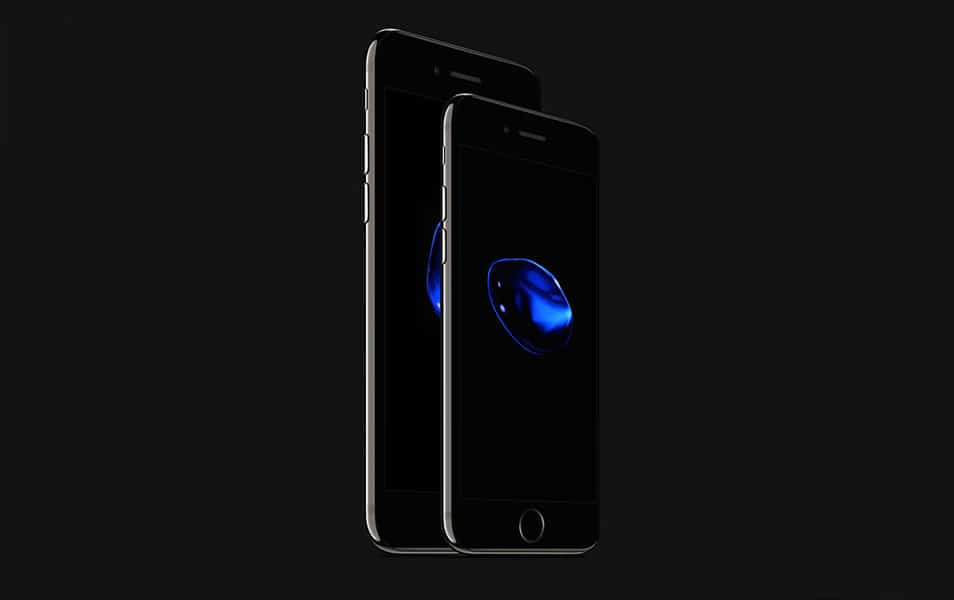 iPhone 7 and iPhone 7 Plus Jet Black PSD Mockup