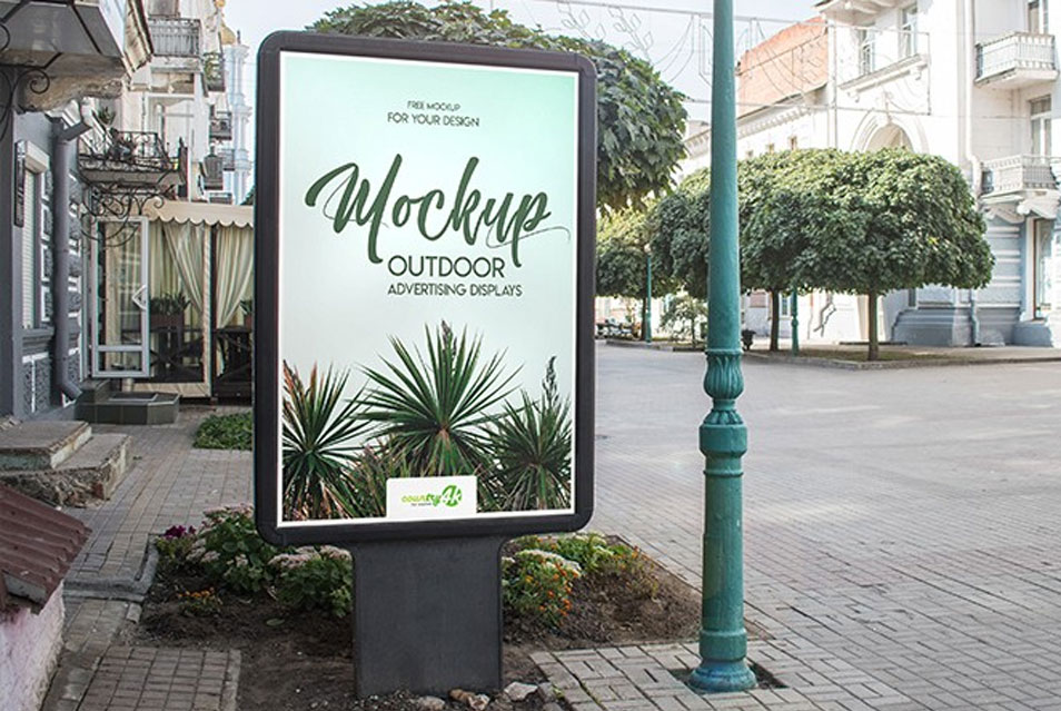 2 Free Outdoor Advertising Displays PSD MockUps in 4k