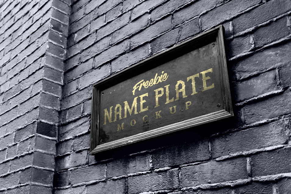Free Outdoor Wall Mount Name Plate / Logo Mockup PSD